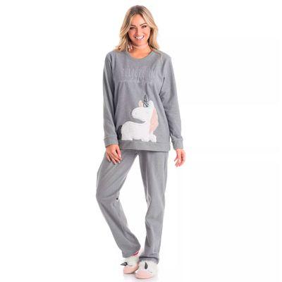 Modelo-pijama-Daniela-Tombine-Unicornio