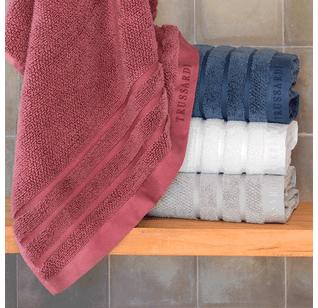 Detalhe-toalha-de-banho-massima-trussardi