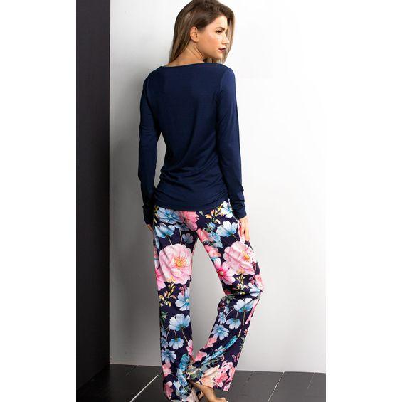 9263-Detalhe-pijama-estampado-floral