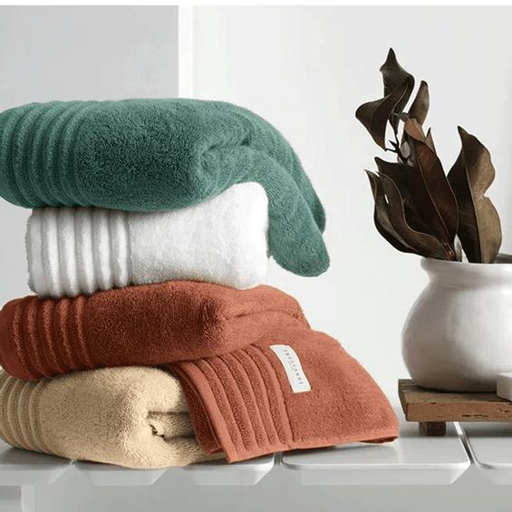 Detalhe-toalha-de-banho-verde-musgo